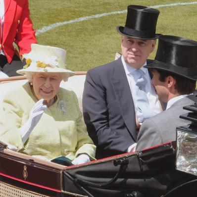 queen royal ascot royal procession