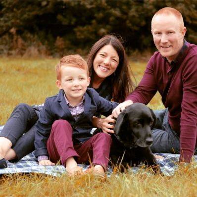 family photoshoot in morton stanley park Redditch with black labrador
